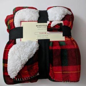 Berkshire Fleece Soft throw Sherpa Blanket Red